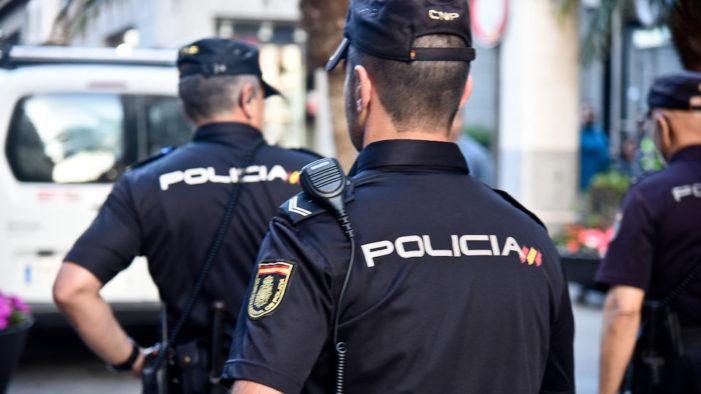 La Policía Nacional desarticula una red que prostituía a transexuales en pisos de citas de toda España