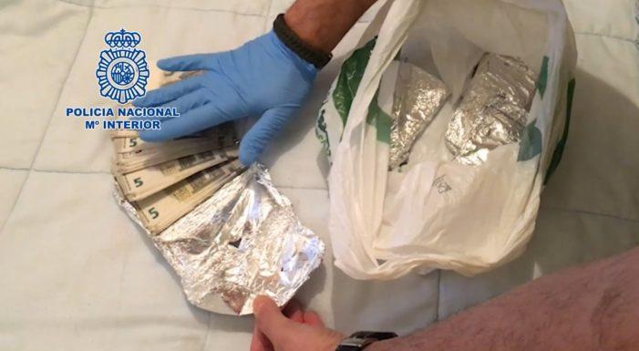 Desarticulado un grupo dedicado a la distribución de billetes falsos de cinco euros